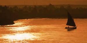 尼罗河流水潺潺