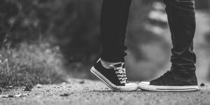 【爱的明信片#69】与男友渐行渐远,该怎么办